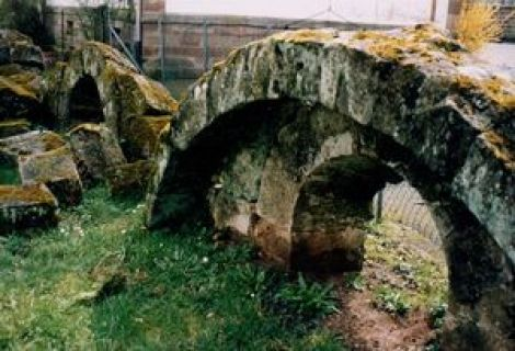 De la fière abbaye bénédictine, il ne reste aujourd\'hui que les ruines