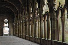 Les abbayes sont des lieux paisibles, à l\'atmosphère particulière.