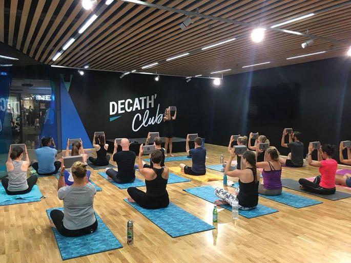 Le Décath\'Club dispense des cours matin, midi et soir