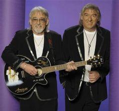 Le duo fera swinguer l\'Eden aux rythmes des guitares