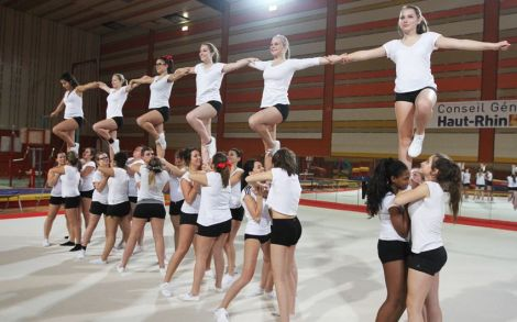 Le Starlight Cheerleading en pleine action