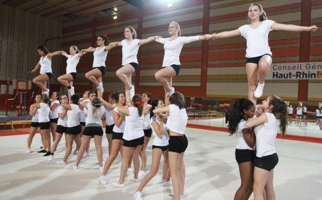 Le Starlight Cheerleading en pleine action