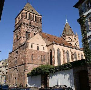 Avec sa forme d\'église-halle, Saint Thomas est un édifice unique en Alsace