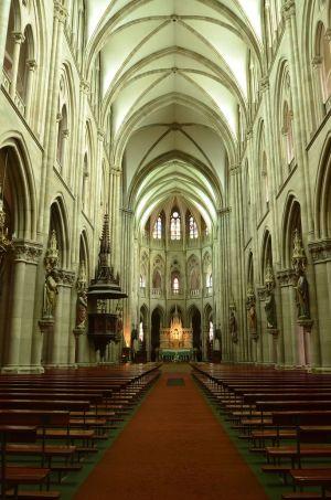 L\'intérieur de l\'Eglise Saint-Etienne à Mulhouse