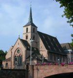 La petite église Saint Nicolas se dresse non-loin de l\'hôpital civil