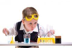Dès le plus jeune âge, les secrets des sciences passionnent et émerveillent