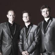 Axis Trio : Voix et lumières