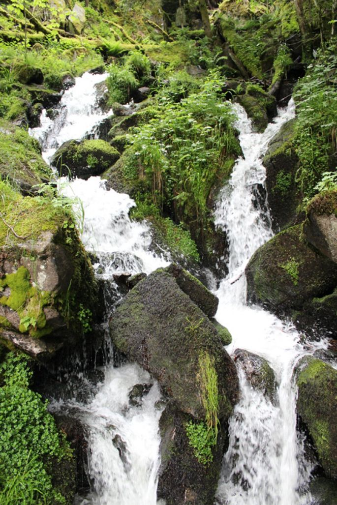 Les cascades sur le chemin de la Wormsa