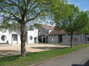espace 110, centre culturel d'illzach : telephone, adresse, programmation...