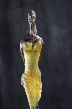 Une sculpture d\'Ewa Rossano