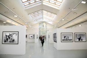 Les collections d\'art proposent souvent des expositions temporaires originales