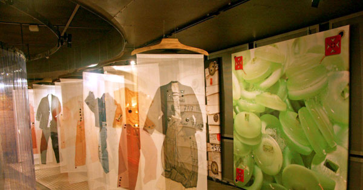 bouton griff made in jura au mus e textile du parc de wesserling. Black Bedroom Furniture Sets. Home Design Ideas