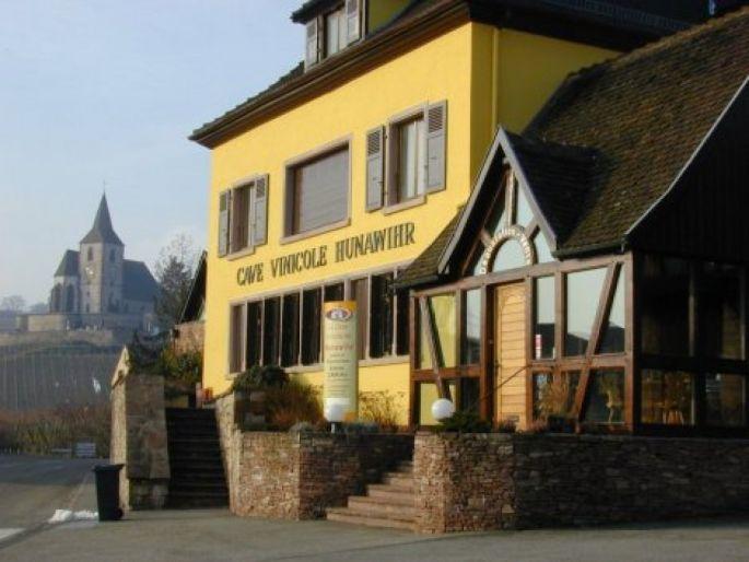 Faire la tournée des caves viticoles de la Route des Vins.