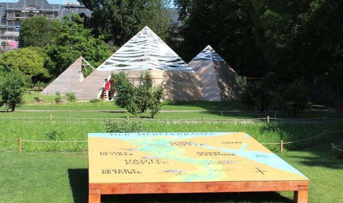Les superbes pyramides éphémères dans les jardins de Wesserling