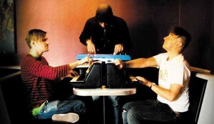 Une avalanche de synthé avec Yann Tiersen et son projet ESB lors d\'une des précédentes éditions du Festival GéNéRiq