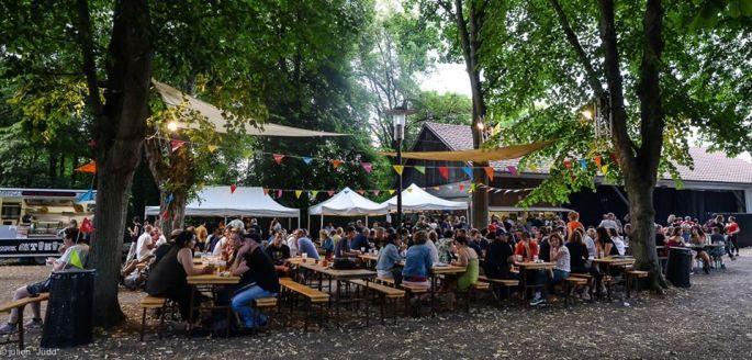 L\'ambiance estivale du Festival Natala Colmar
