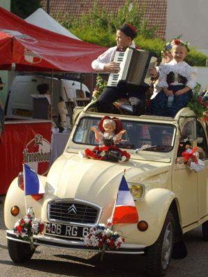 Le défilé de la Fête Au Pays du Ried - Holtzwihr