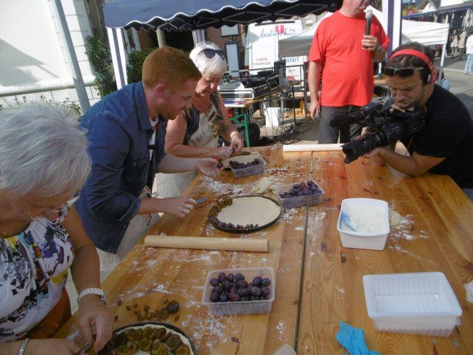 Réalisation en direct d\'une bonne tarte aux quetsches lors de la fête du même nom à Pfastatt !
