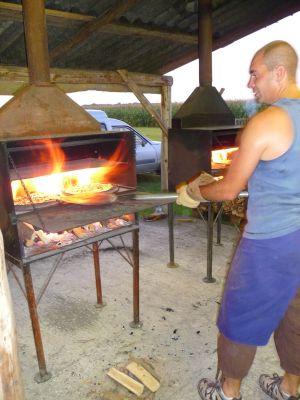 Les tartes flambées sont cuites sur place à Boesenbiesen