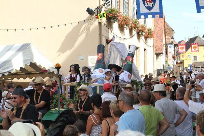 Le cortège de la Fête des Vignerons à Eguisheim