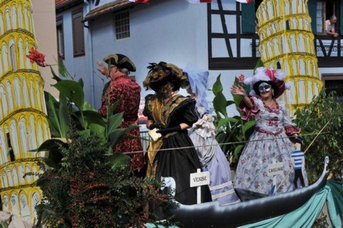 Le cortège des associations de la Fête du Houblon à Ohlungen