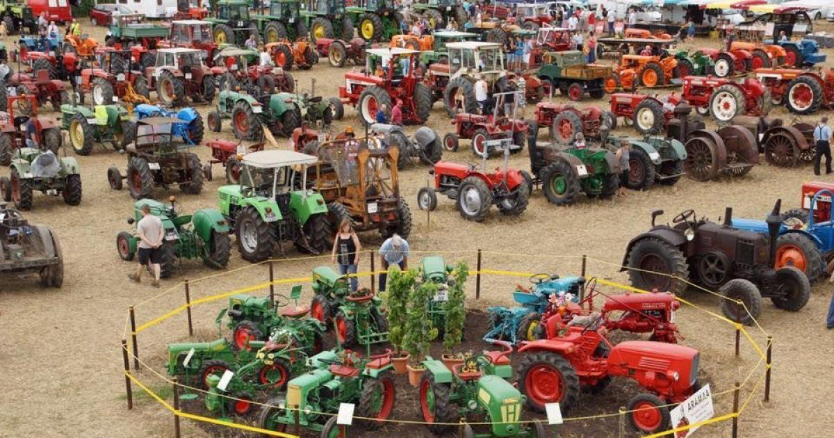 Exposition de tracteur ancien 2016