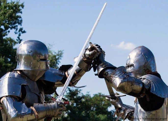 Aux armes, chevaliers !