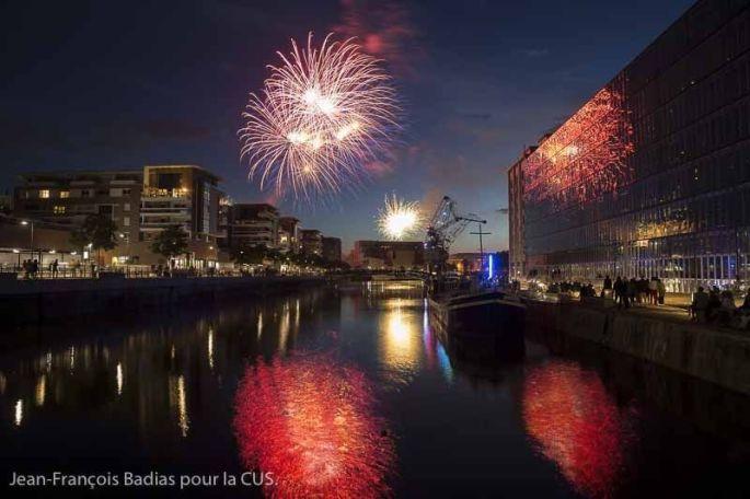 Un magnifique feu d\'artifice au dessus de Strasbourg pour le 14 juillet