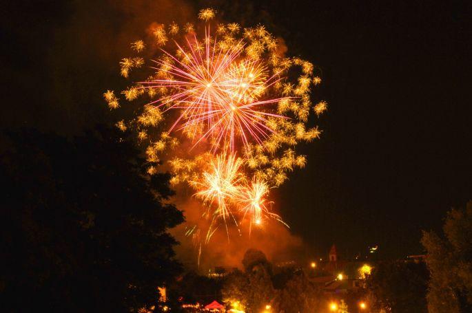 Le feu d\'artifice tiré à Huningue pour la Fête nationale