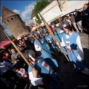 La Fête médiévale  de Semur-en-Auxois et ses preux chevaliers