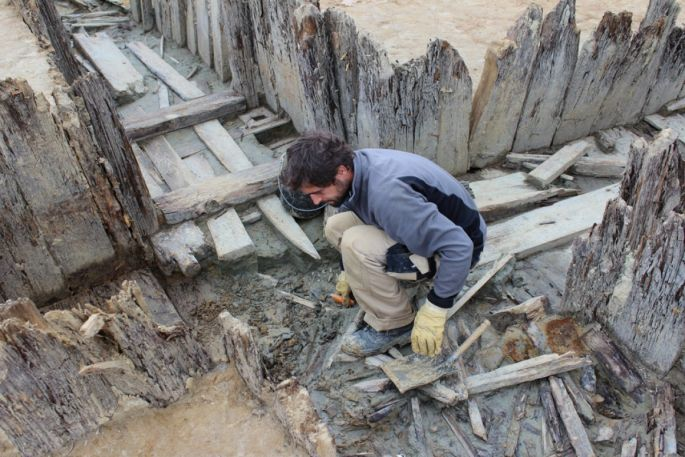 Mathias Higelin, archéologue au Pôle d\'archéologie interdépartemental rhénan, sur les fouilles de la galerie Kilianstollen au nord de Carspach