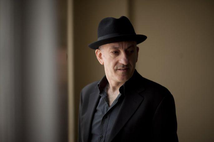 Freddy Koella a joué avec Bod Dylan, Willy DeVille, Carla Bruni ou encore Francis Cabrel