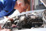 Les mécaniciens garagistes ont l\'oeil pour trouver rapidement les pannes de votre voiture