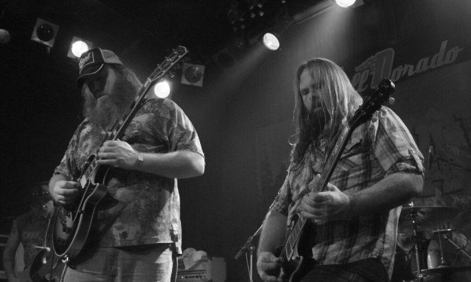 HOGJAW, le groupe de rock sudiste directement importé de sa région natale