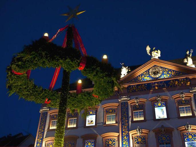 L\'hôtel de ville de Gengenbach en Allemagne, et son calendrier de l\'Avent