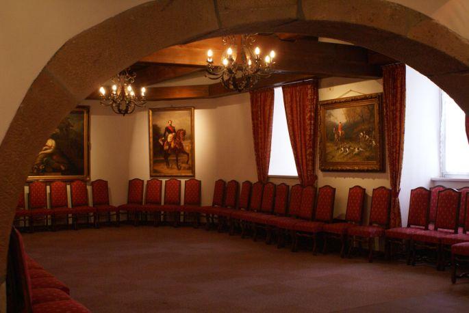 <p>Le Salon Gontcherova, une ambiance unique pour des concerts vari&eacute;s</p>