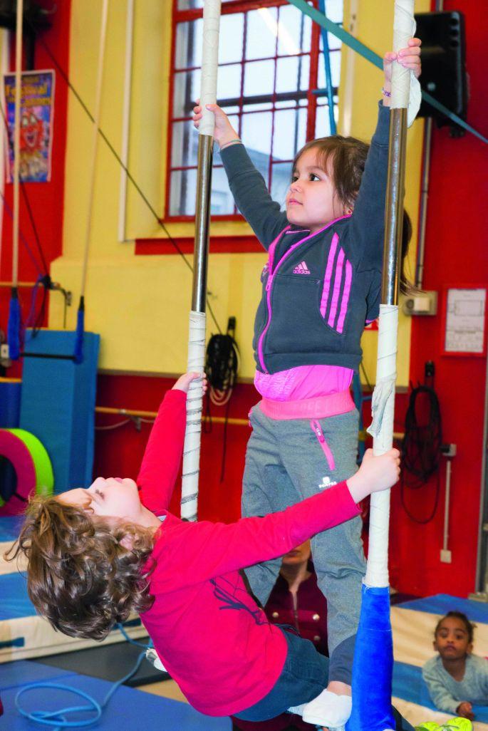 Je découvre le cirque aux Ateliers de la Piste Achille Zavatta