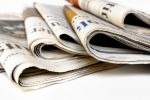 La lecture du journal quotidien reste un petit plaisir de la journée qui commence pour beaucoup