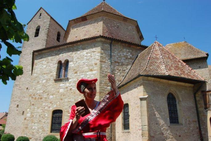 Visite guidée de l\'Abbatiale d\'Ottmarsheim en compagnie de Cunégonde d\'Altenbourg