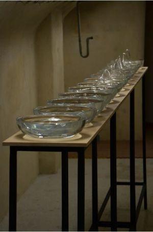 Manuel Diemer, Isula, installation, 12 pièces en verre soufflé, 2015