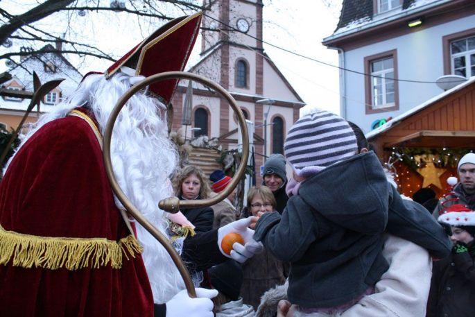 Le Saint Nicolas à la rencontre des enfants