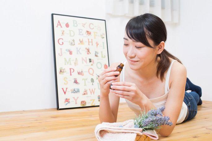 L\'aromathérapie fait partie des médecines douces et permet de soigner des petits maux grâce aux vertus des plantes