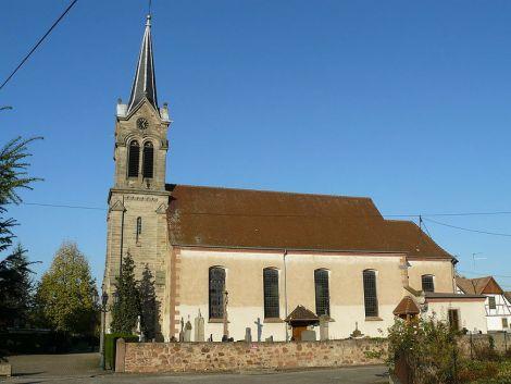 L\'église de Saasenheim dans le Bas-Rhin en Alsace