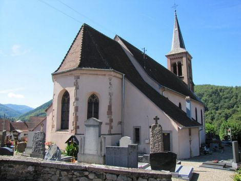 L\'église Saint Jean Baptiste de Soultzbach les Bains date du 15e siècle.