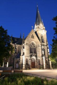 L\'Eglise Saint-Maurice à Strasbourg, sur la place Arnold, de nuit