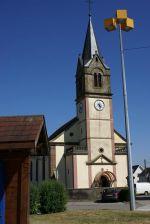 L\'église Saint-Maurice au centre de Guewenheim, à l\'entrée de la Vallée de la Doller