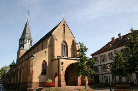 L\'église Saint Nicolas de Haguenau a été restaurée après la Seconde Guerre Mondiale