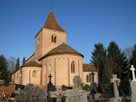 L\'église Saint-Pierre-et-Paul de Hohatzenheim est un lieu de pèlerinage dans le Bas-Rhin en Alsace