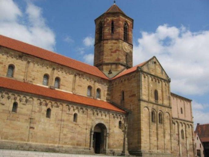 L\'Eglise Saints Pierre et Paul à Rosheim est un chef d\'œuvre de l\'architecture romane en Alsace