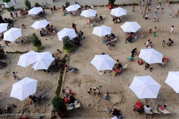 Sable fin, parasols et transats à Strasbourg